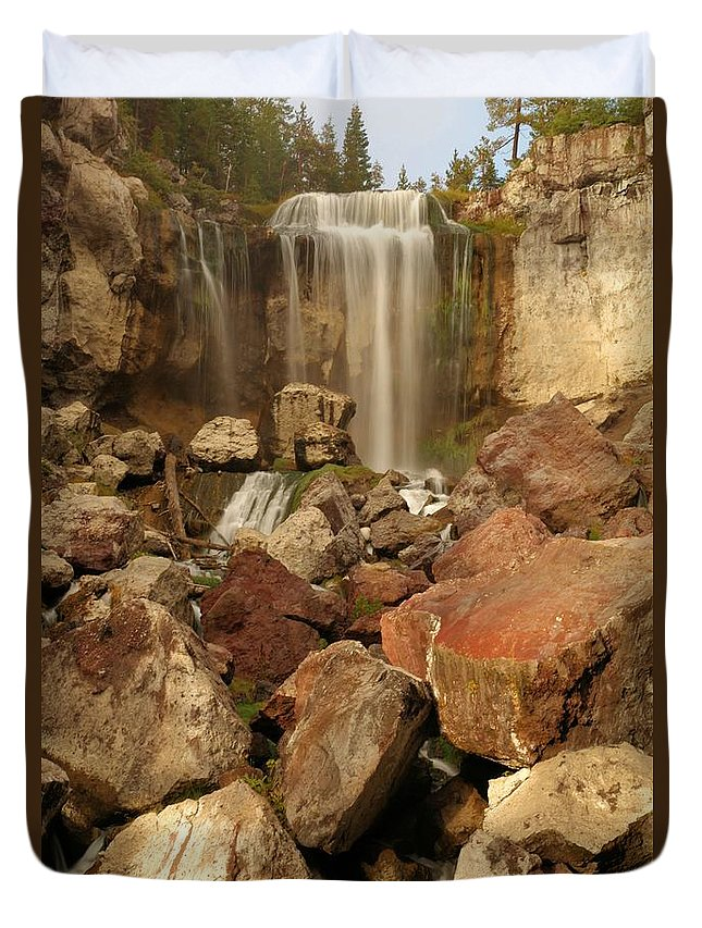 Paulina Falls Duvet Cover featuring the photograph Falling In The Rocks by Adam Jewell