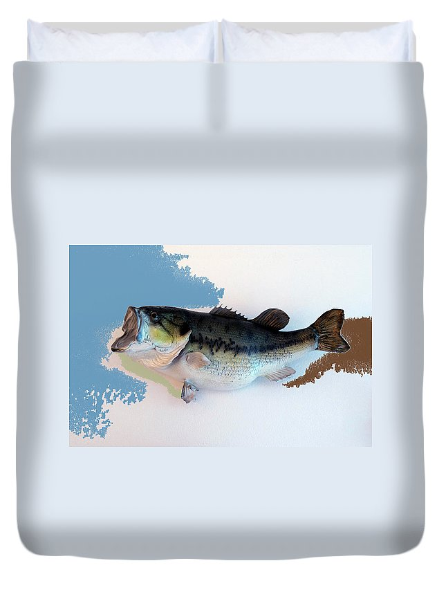Animals Duvet Cover featuring the photograph Fish Mount Set 07 C by Thomas Woolworth