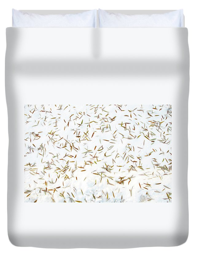 Guy Whiteley Photography Duvet Cover featuring the photograph Fish Pond by Guy Whiteley