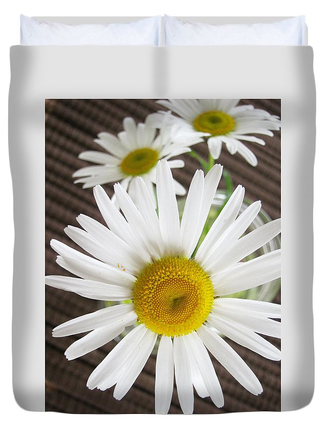 Beautiful Duvet Cover featuring the photograph Flowers by Les Cunliffe