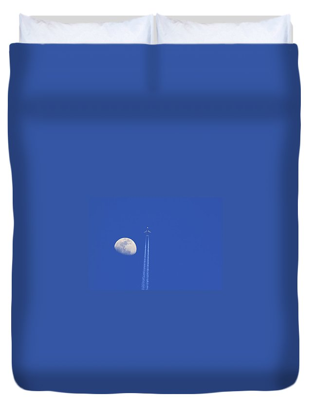 Air Duvet Cover featuring the photograph Fly Me To The Moon by Ricky Barnard