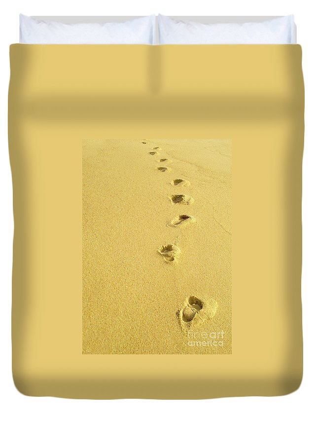 Beach Duvet Cover featuring the photograph Foot Prints by Carlos Caetano