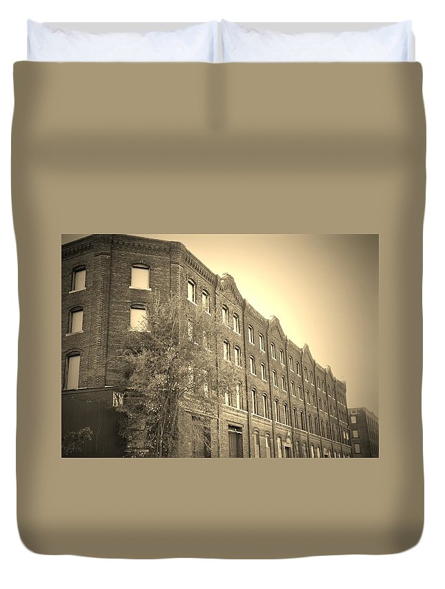 Urban Duvet Cover featuring the photograph Forgotten by Chris Berry