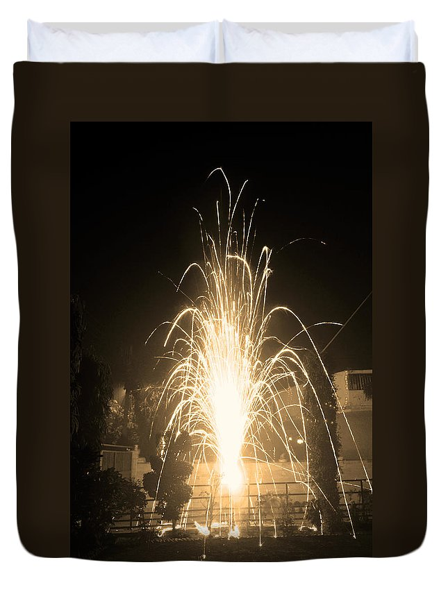 Fountain Duvet Cover featuring the photograph Fountain Firework by Sumit Mehndiratta