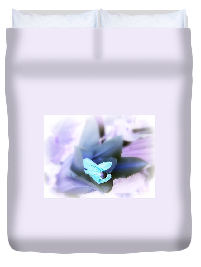 Bud Duvet Cover featuring the photograph Fountainhead Inversion by Priscilla Richardson