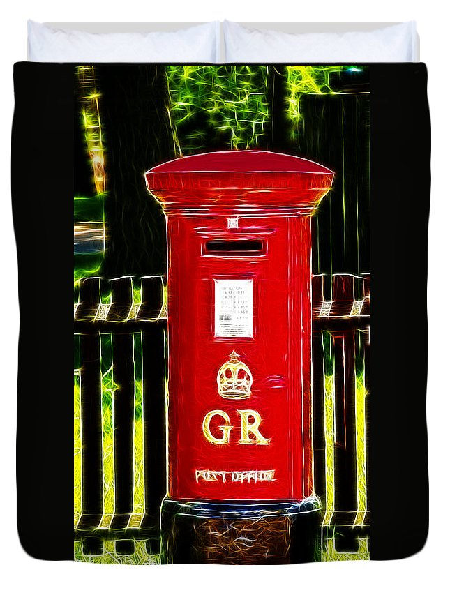 Pillar Box Duvet Cover featuring the photograph Fractalius Pillar Box by Chris Thaxter