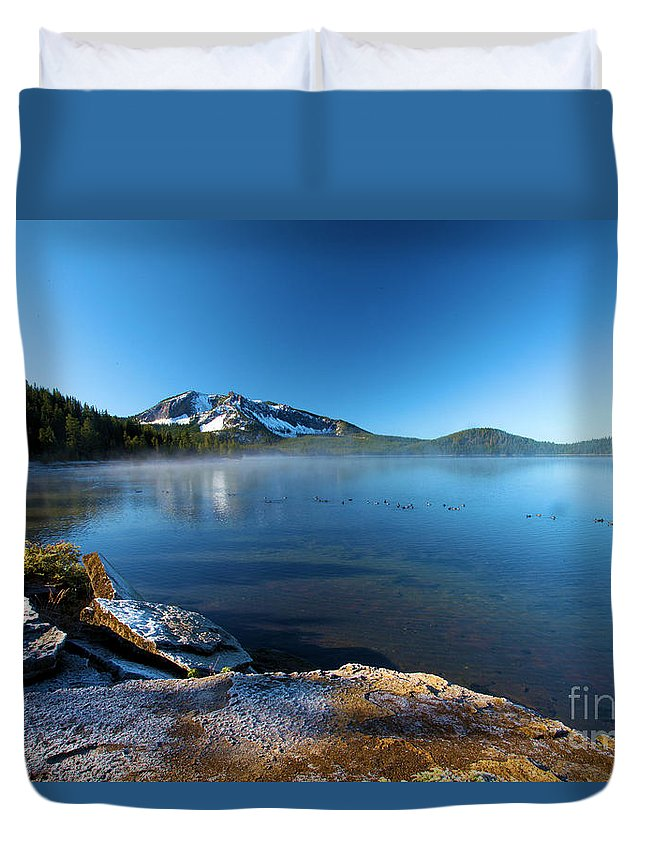 Paulina Peak Duvet Cover featuring the photograph Frost On The Shore by Adam Jewell