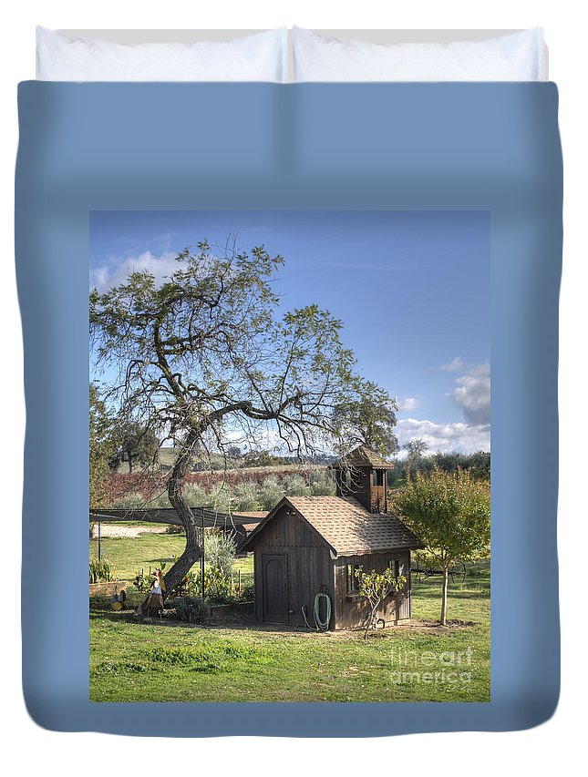 Landscape Duvet Cover featuring the photograph Garden Shed by Diego Re