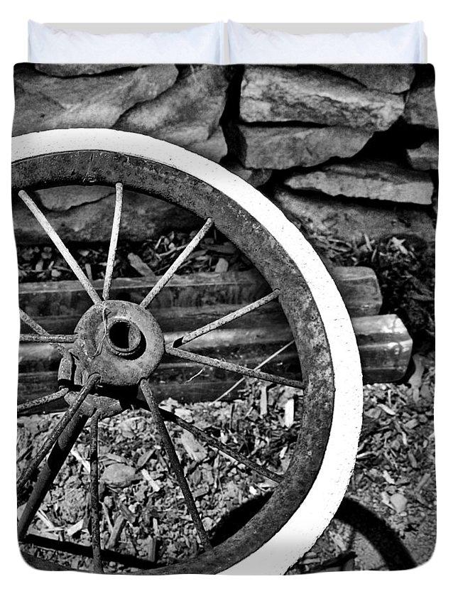 Garden Duvet Cover featuring the photograph Garden Wheel by Kristen Cavanaugh