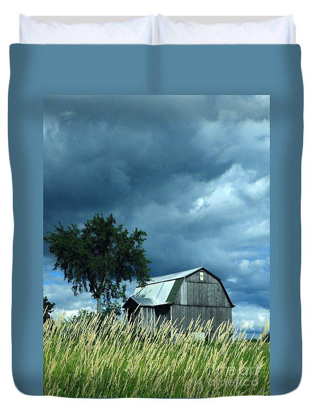 Storm Duvet Cover featuring the photograph Gathering Storm by Joe Jake Pratt