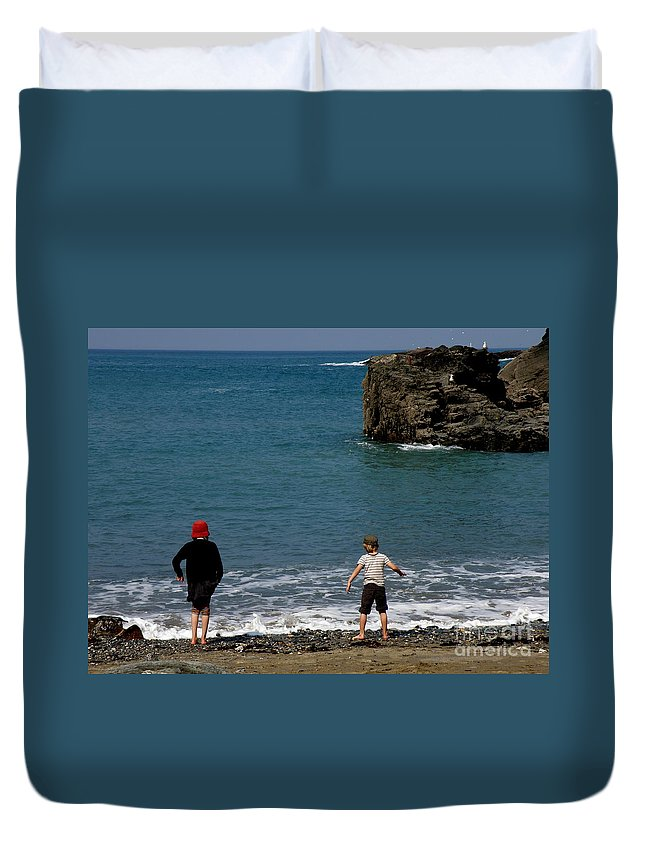 Beach Duvet Cover featuring the photograph Get Your Feet Wet by Lainie Wrightson