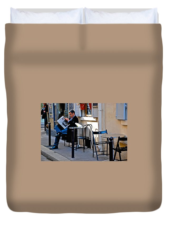 Paris Duvet Cover featuring the photograph Getting The Morning News by Eric Tressler