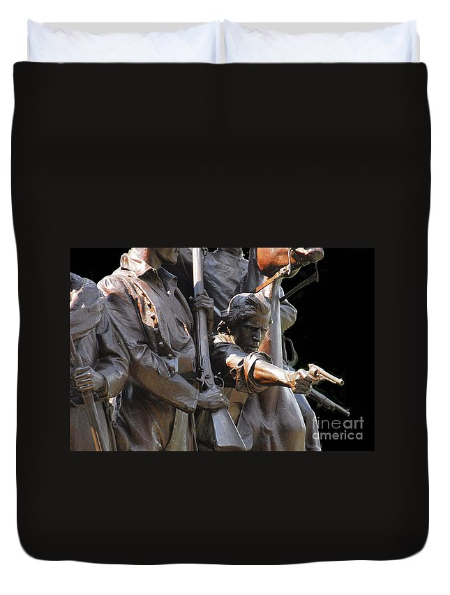 Civil War Duvet Cover featuring the photograph Gettysburg Monument by Cindy Manero