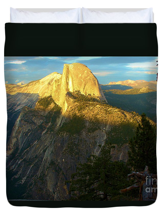 Half Dome Duvet Cover featuring the photograph Glacier Point Tree by Adam Jewell