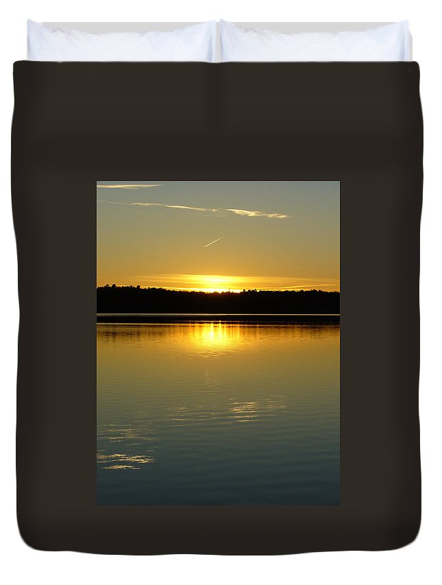 Lake Duvet Cover featuring the photograph Golden Dusk by Shirley Radebach