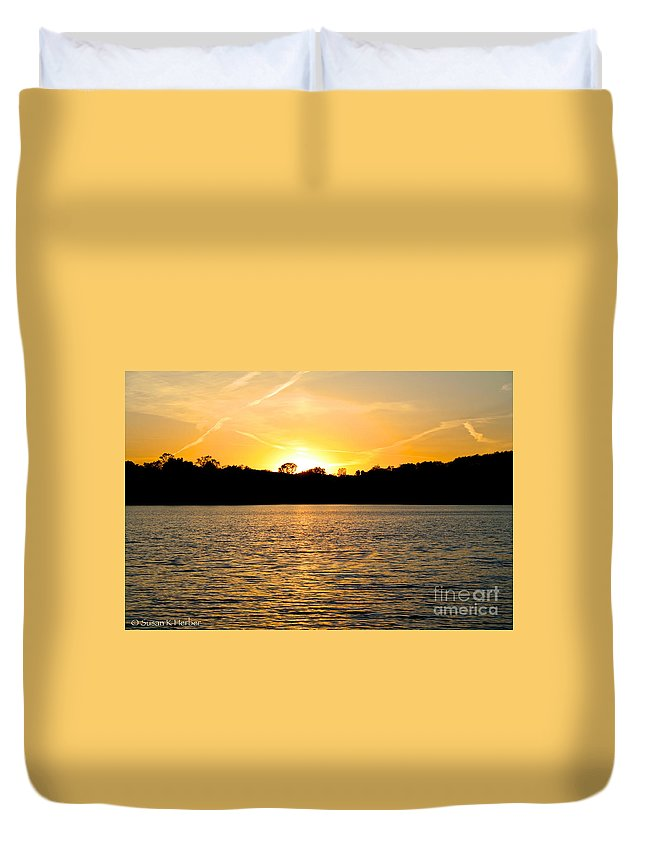 Outdoors Duvet Cover featuring the photograph Golden Evening by Susan Herber