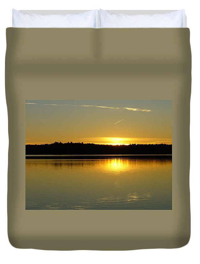 Lake Duvet Cover featuring the photograph Golden Glow by Shirley Radebach
