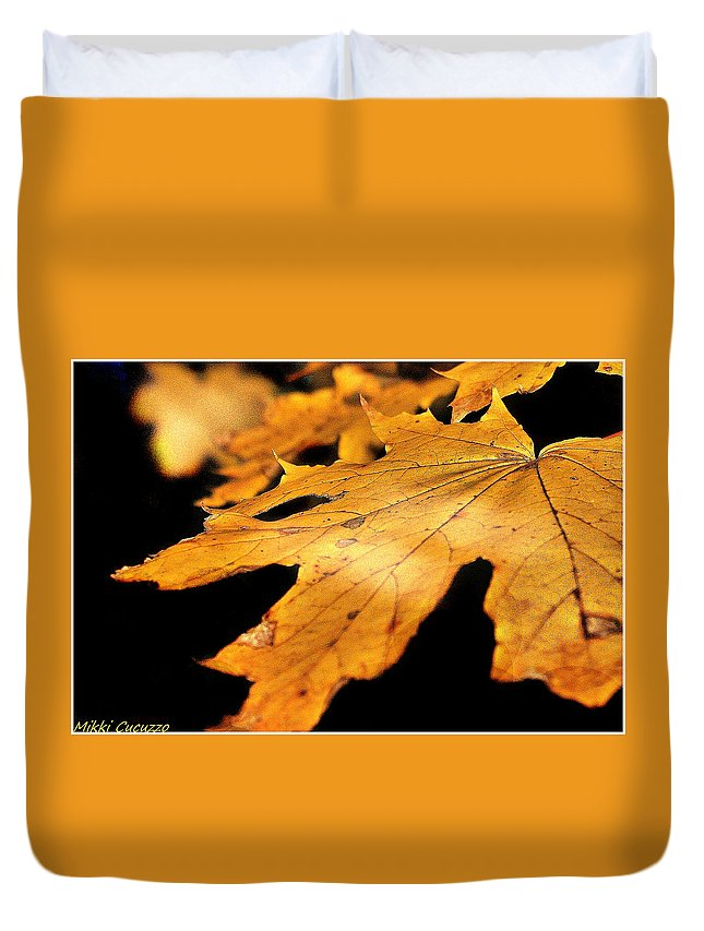 Leaf Duvet Cover featuring the photograph Golden Leaf by Mikki Cucuzzo
