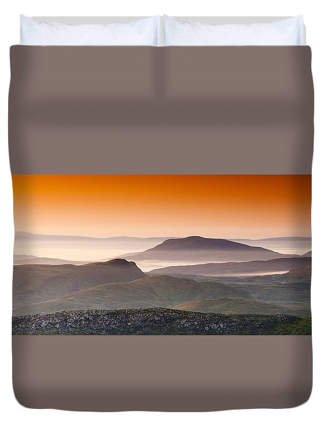 Summer Duvet Cover featuring the photograph Good Morning by Sebastian Wasek