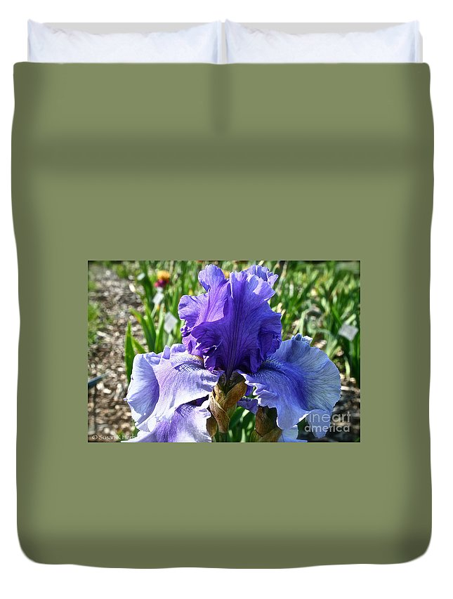 Plant Duvet Cover featuring the photograph Good Morning by Susan Herber