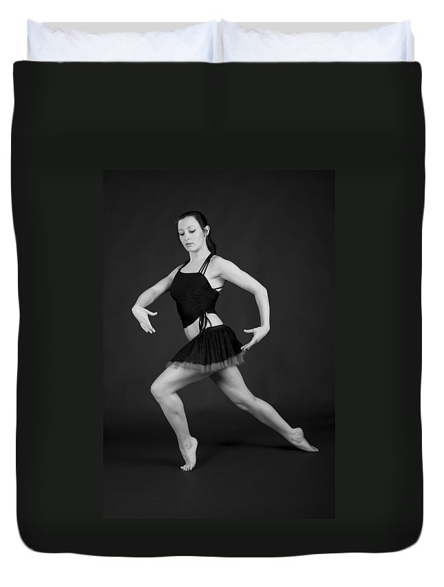 Aberdeen Duvet Cover featuring the photograph Grace And Power by Howard Kennedy