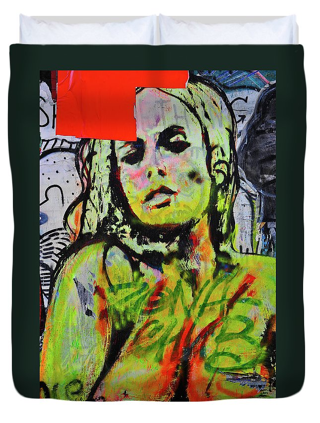 Street Photographs Duvet Cover featuring the photograph Graffiti Nude by Harry Spitz