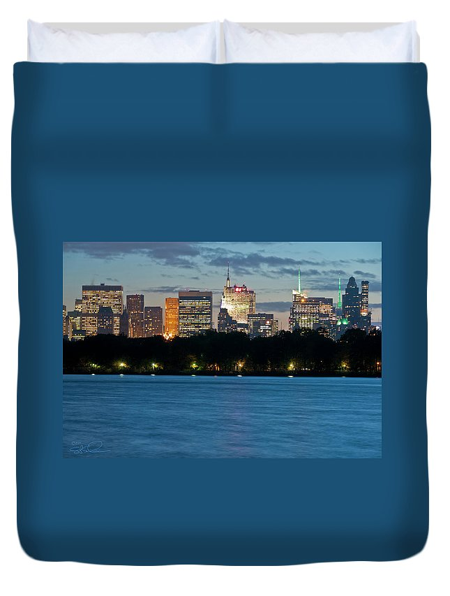 Nyc Duvet Cover featuring the photograph Great Pond Skyline by S Paul Sahm