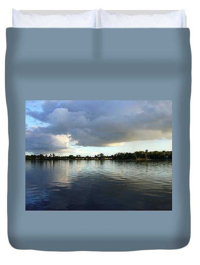 Lake Duvet Cover featuring the photograph Halcyone by Shirley Radebach