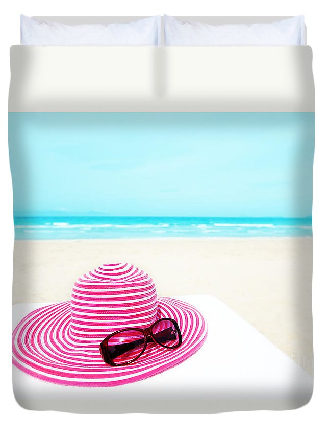 Travel Duvet Cover featuring the photograph Hat And Sunglasses by MotHaiBaPhoto Prints