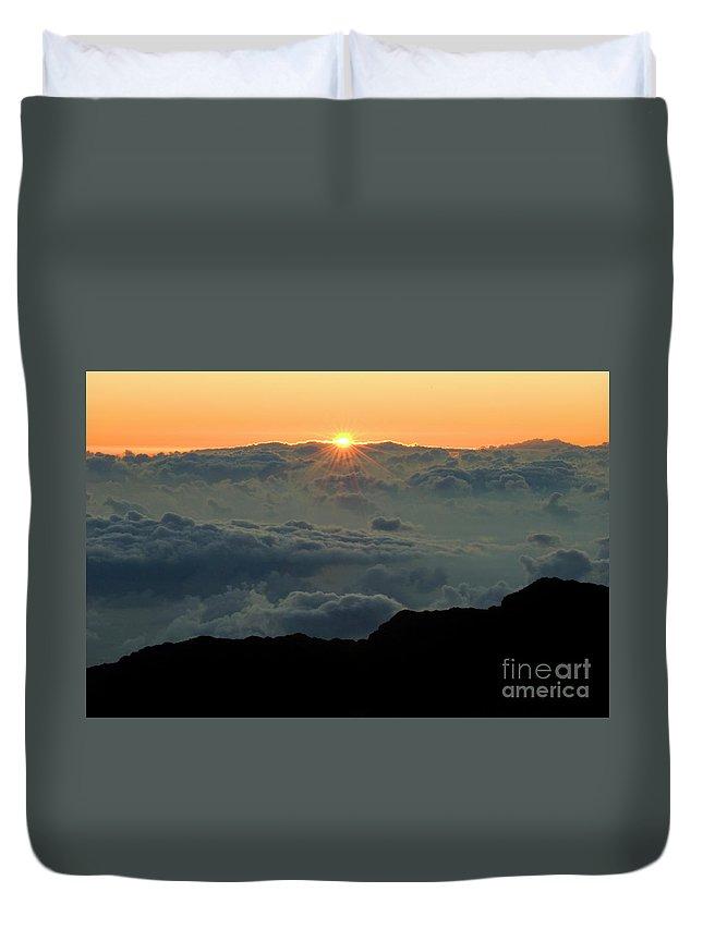 Hawaiian Sunrise Duvet Cover featuring the photograph Hawaiian Sunrise by Bob Christopher