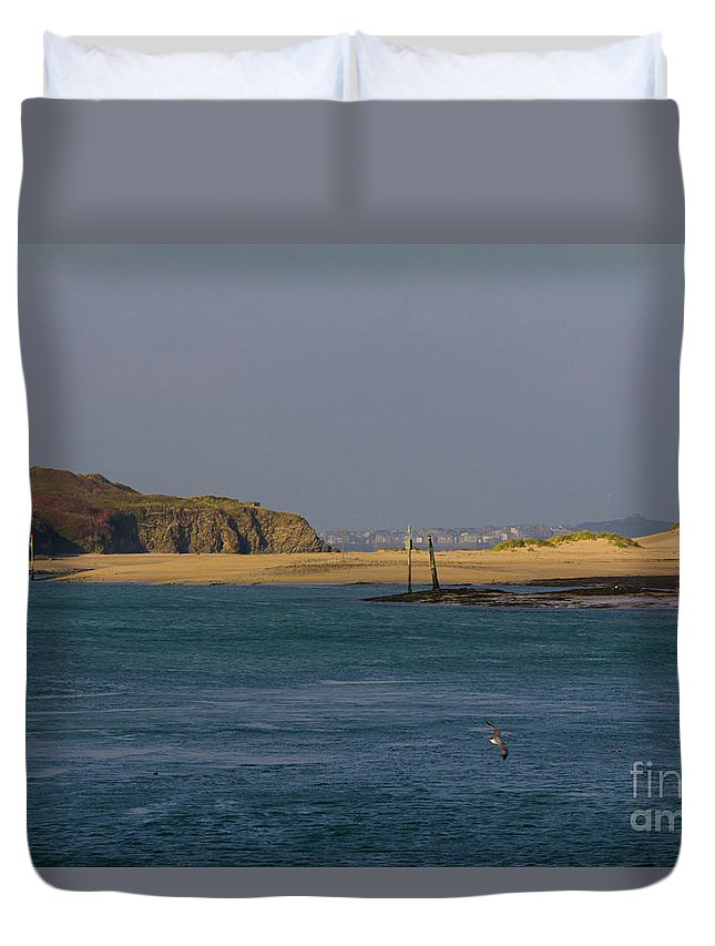 Cornwall Duvet Cover featuring the photograph Hayle Harbour by Brian Roscorla