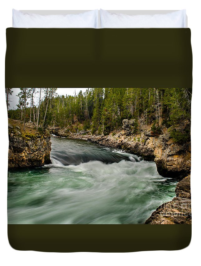 River Duvet Cover featuring the photograph Heading For The Fall by Robert Bales