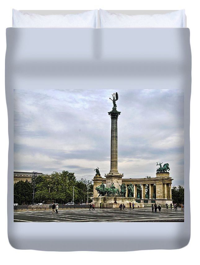 Heros Square Duvet Cover featuring the photograph Heros Square - Budapest by Jon Berghoff