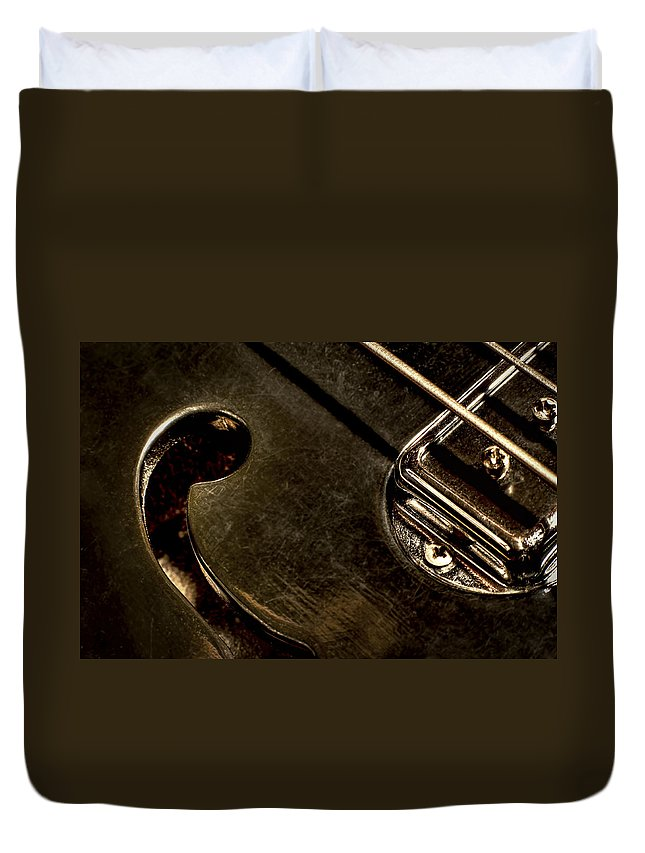 Macro Duvet Cover featuring the photograph Hollow Body by Scott Norris