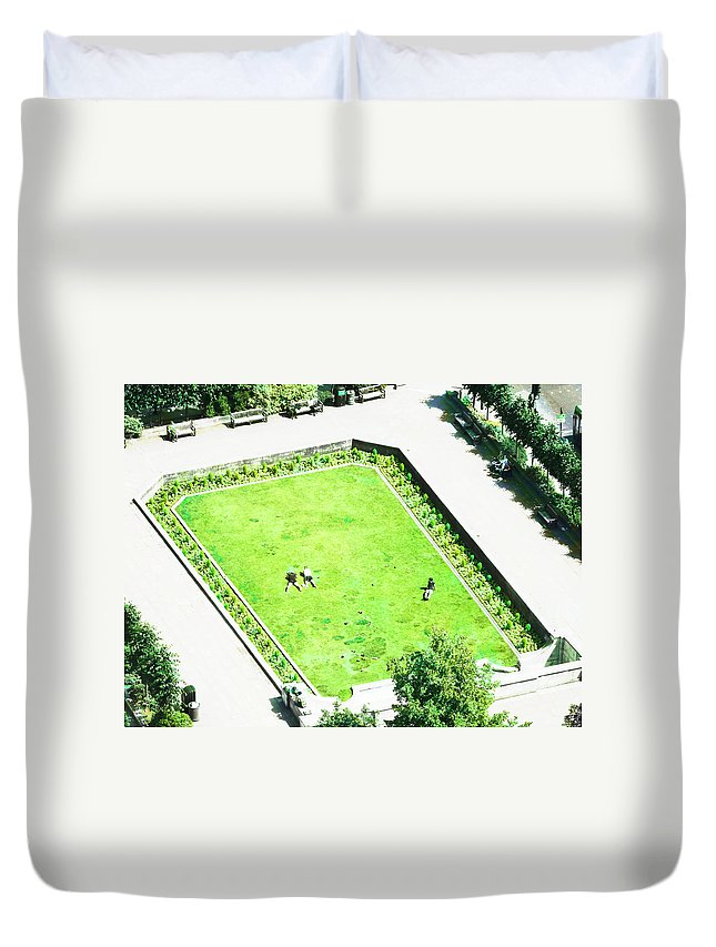 Seats Duvet Cover featuring the photograph Hoping To Go Brown by Steve Taylor