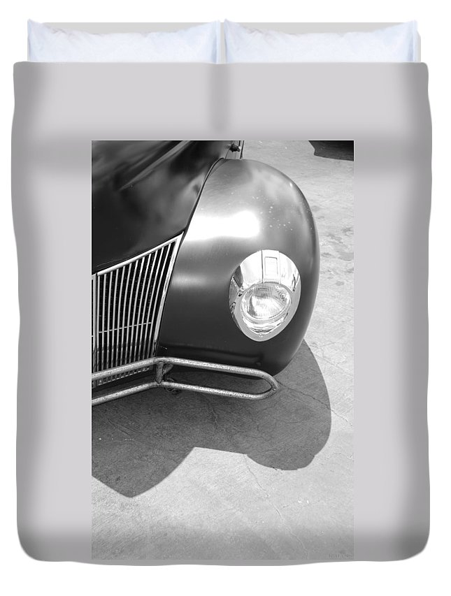 Hot Rod Duvet Cover featuring the photograph Hot Rod Grill by Rob Hans