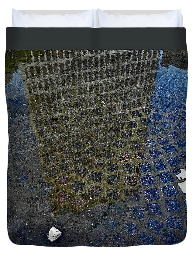 Rochester Duvet Cover featuring the photograph Hsbc Plaza Reflection by Kristen Cavanaugh
