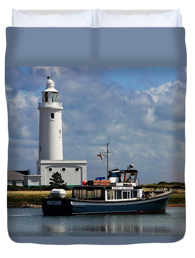 Hurst Point Duvet Cover featuring the photograph Hurst Point Lighthouse by David French