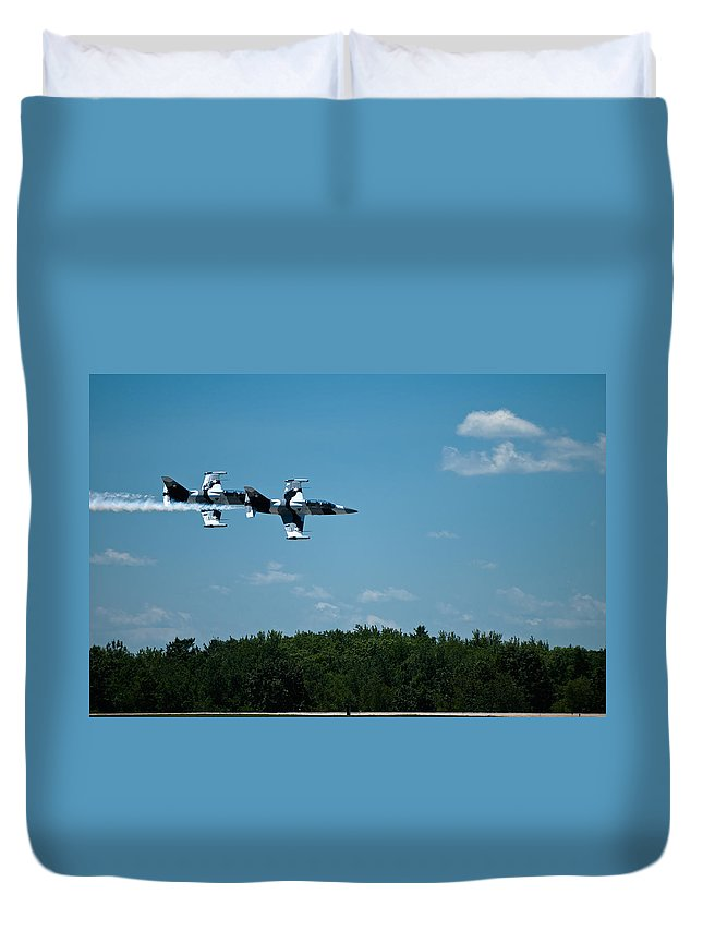 i 39 Fighter Jets Duvet Cover featuring the photograph I 39 Fighter Jets by Paul Mangold