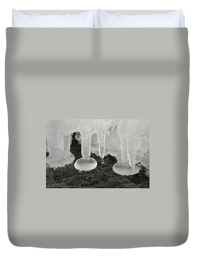 Ice Duvet Cover featuring the photograph Ice by Ernie Echols