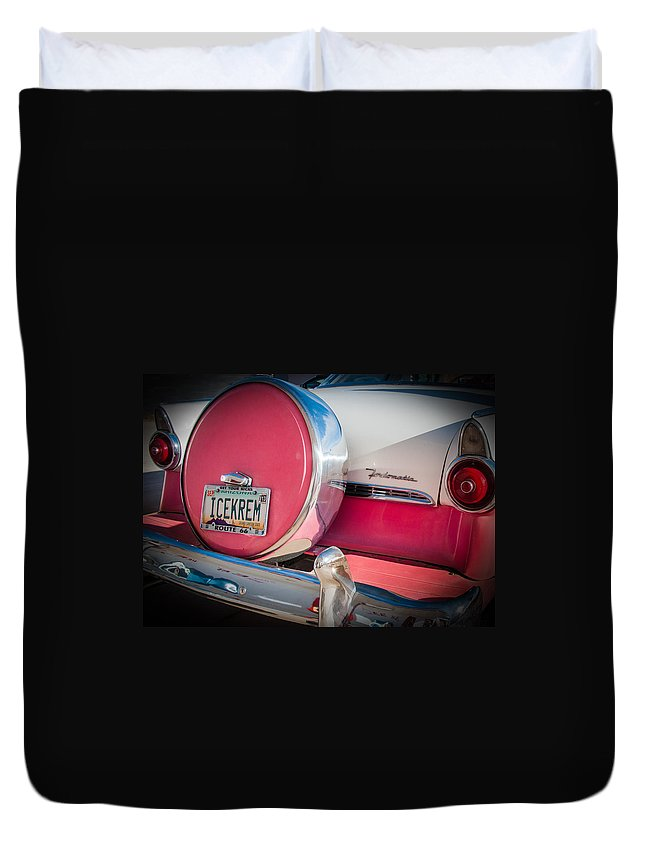 Ford Duvet Cover featuring the photograph Icekrem by Diane Wood