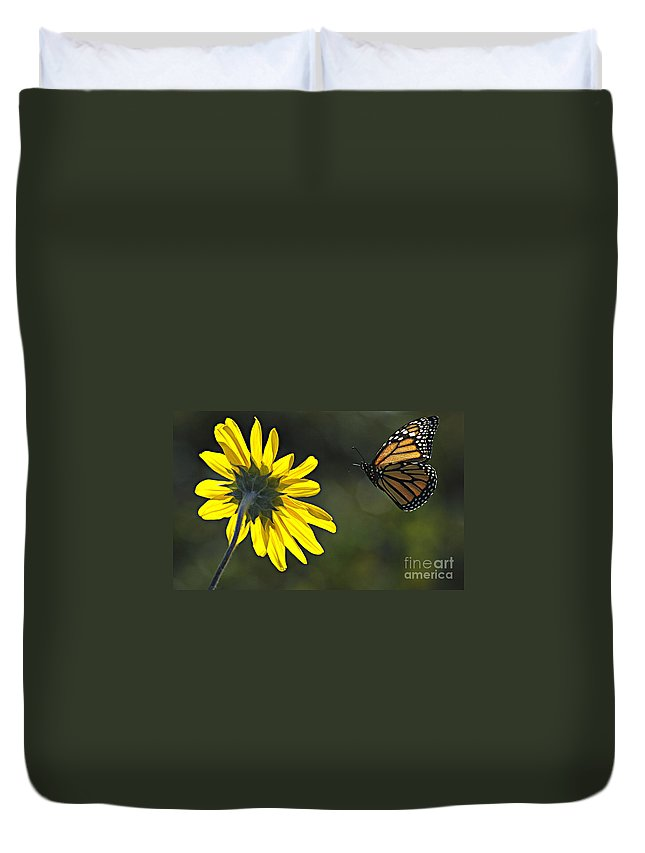 Monarch Duvet Cover featuring the photograph Incoming Monarch by Bob Christopher