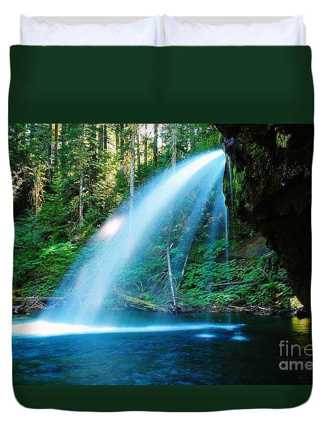 Water. Fall Duvet Cover featuring the photograph Iron Creek Falls From The Side by Jeff Swan