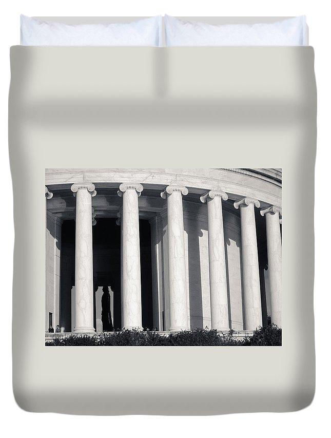Jefferson Duvet Cover featuring the photograph Jefferson Memorial by Julie Niemela
