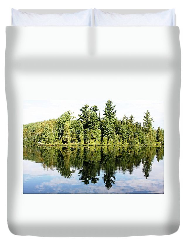 Lake Duvet Cover featuring the photograph Lac Long by Pat Purdy