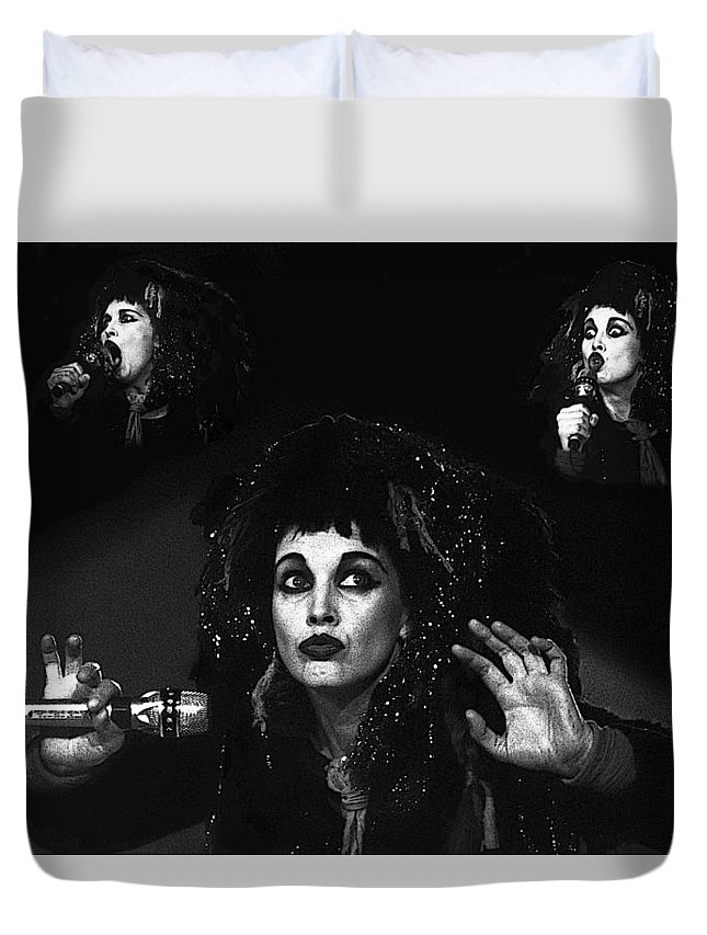 Lene Lovich Duvet Cover featuring the photograph Lene Lovich by Dragan Kudjerski