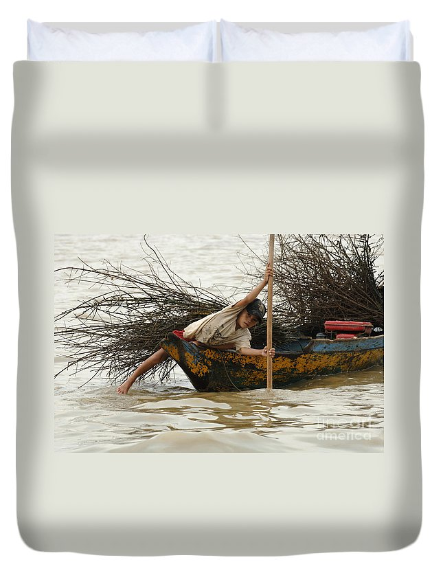 Travel Duvet Cover featuring the photograph Life On Lake Tonle Sap 3 by Bob Christopher
