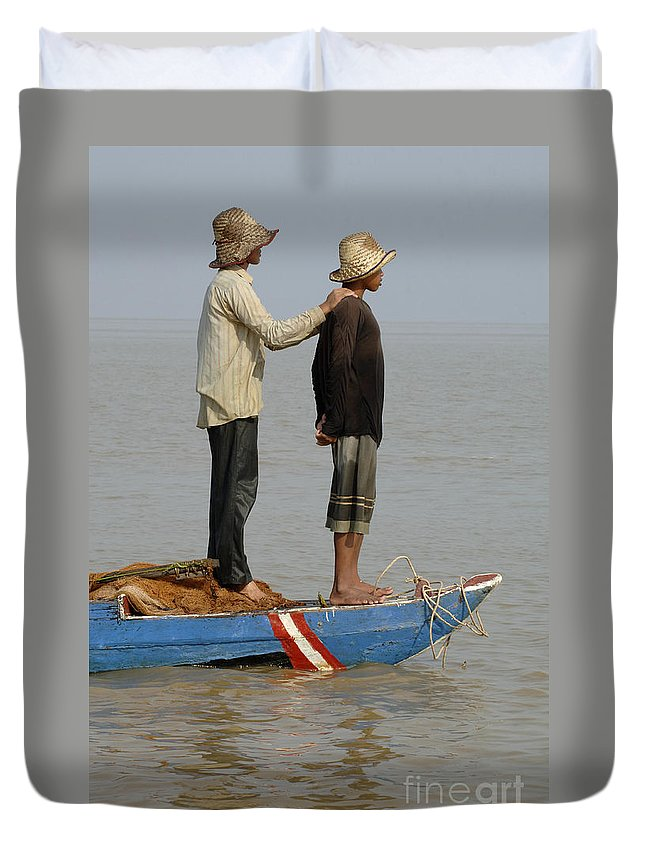 Travel Duvet Cover featuring the photograph Life On Lake Tonle Sap 4 by Bob Christopher