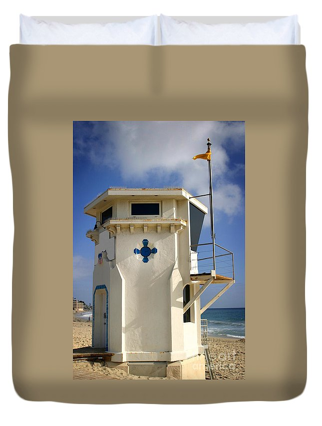 Coast Duvet Cover featuring the photograph Lifeguard Tower by Henrik Lehnerer