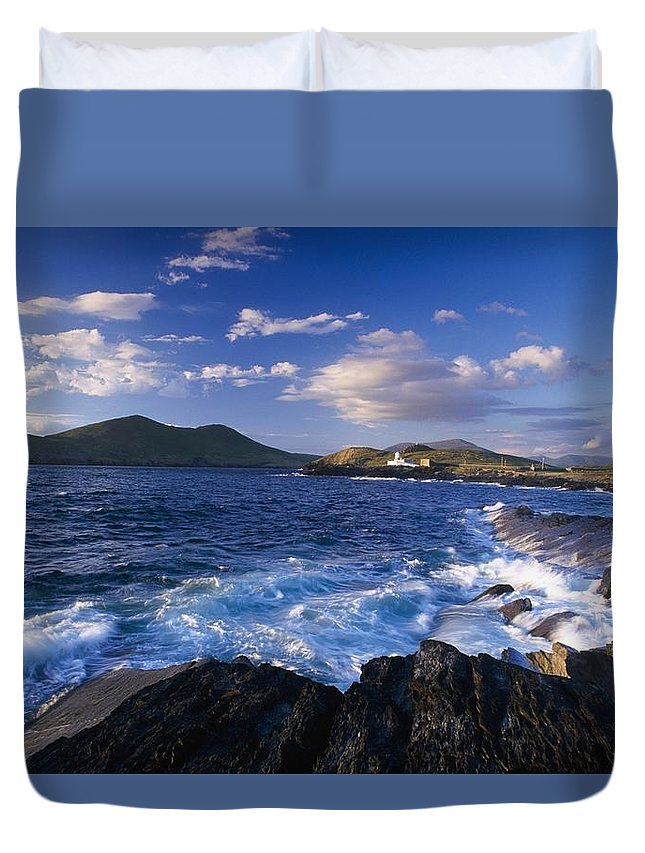 Coastal Duvet Cover featuring the photograph Lighthouse In The Distance, Fort Point by Gareth McCormack